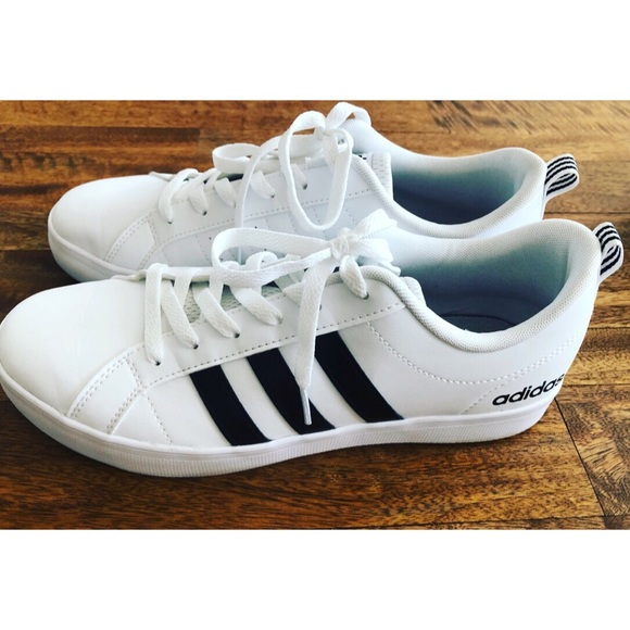 Adidas donne scarpe taglia 9 poshmark